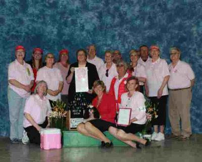 CIKC 2011 Purebreds In The Pink Cancer Awareness BIS Winner with some of our club members.